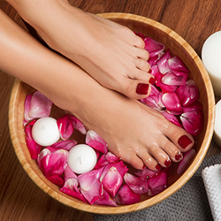 ORGANIC & NATURAL PEDICURE